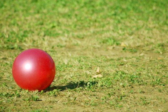 オロナミンCのCMの赤い球