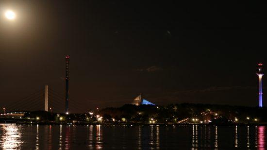 横浜八景島,夜景,満月