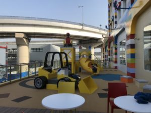 レゴホテルのレストランの遊具