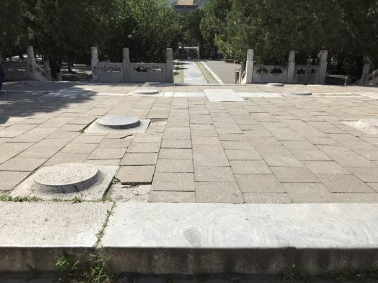 定陵の地上建築物の基礎