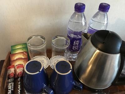 お茶、コーヒー、ミネラルウォーターのサービス